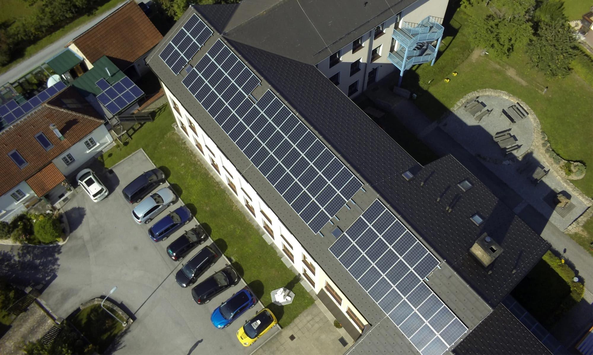 Umwelt & Energie: PV-Anlage Solarfox